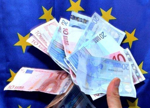 L'excédent du compte courant de la zone euro s'est rétréci pour s'établir à 16,9 milliards d'euros (22,6 milliards de dollars) en Juillet de 19,8 milliards d'euros en Juin, les données la Banque centrale européenne ont montré le mardi.