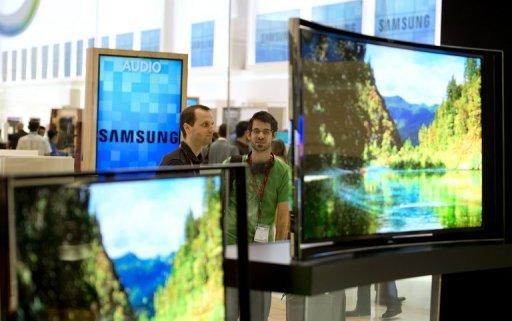 les écrans de télévision OLED courbes à Berlin le 5 Septembre 2013.