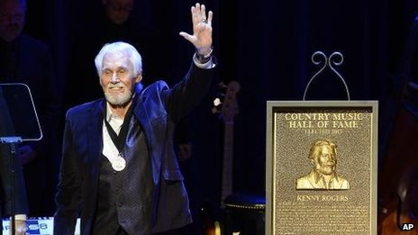 Kenny Rogers rejoint Country Music Hall of Fame