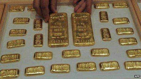 Les taxes sur l'importation de l'or ont augmenté dans un effort pour freiner la demande intérieure et la contrebande d'or
