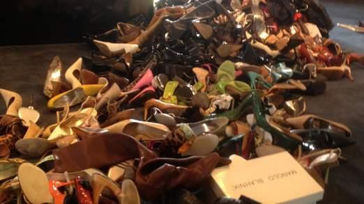 Les chaussures de Victoria entassés