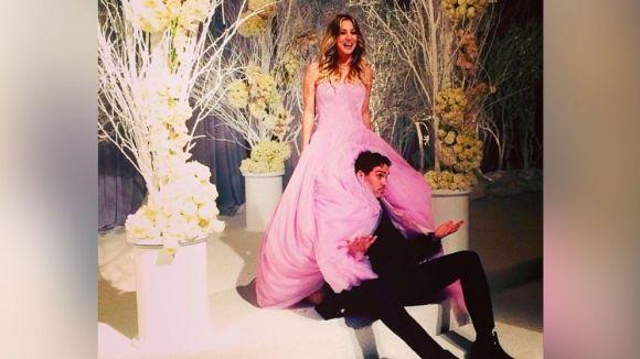 ht_kaley_cuoco_pink_dress_sr_140101_16x9_992