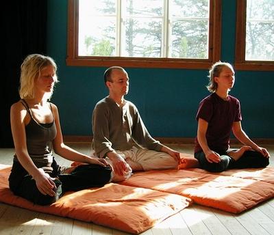 la méditation évacue les ondes négatives de votre corps en 30 minutes