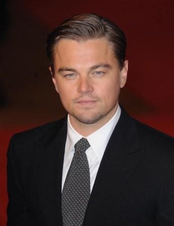 les apparences sont trompeuses: Leonardo a une passion pour les débardeurs et non les costumes