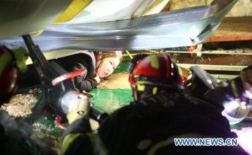 10 morts et 103 blessés dans l'effondrement du toit d'un immeuble