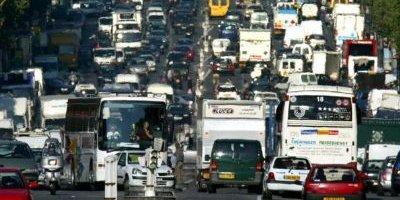Paris interdit la circulation des voitures pour réduire la pollution en ville.