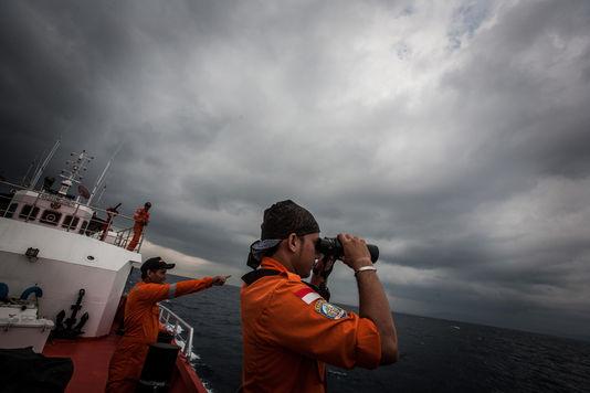 Les recherches se poursuivent dans l'espoir de retrouver une trace du vol Vol MH370.