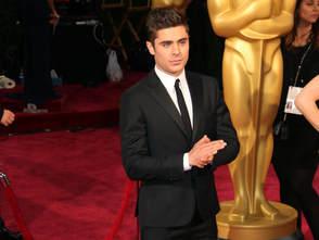 Zac-Efron-pendant-les-Oscars