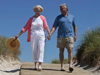 La marche est recommandée pour les personnes âgées