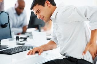 Rester assis au bureau trop longtemps entraine des maladies