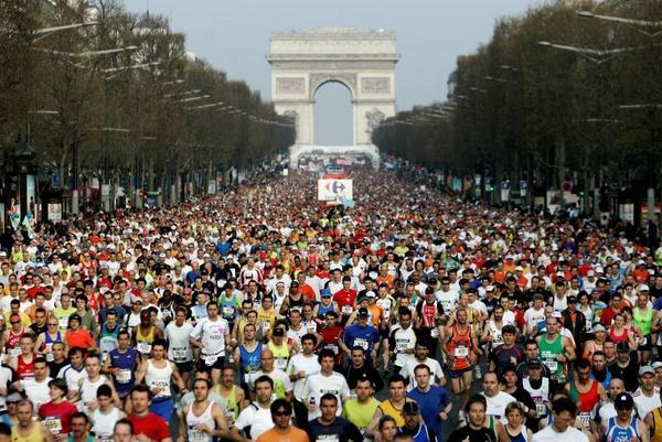 La course à pied du marathon de Paris 2016 se dévoile au monde entier