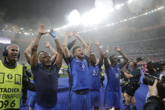 Les affiches des demi-finales de l'Euro 2016 de football