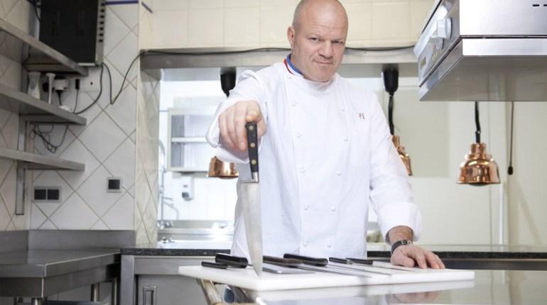 Cauchemar en Cuisine à voir en vidéo sur M6 : Philippe Etchebest à Marseille sur 6Play
