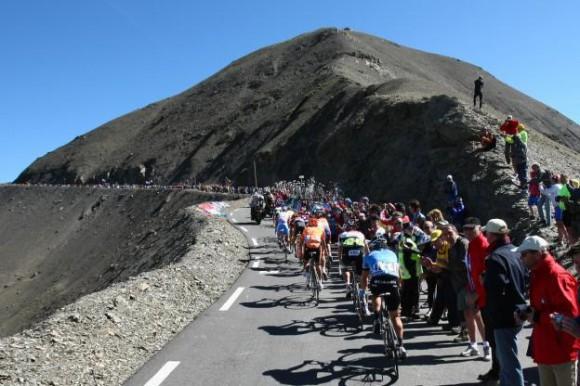 Voir la 14e étape du Tour d'Italie Castellania Oropa en vidéo live direct : Replay étape Giro, vainqueur et classement