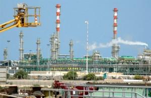 La Libye fait bondir les cours du pétrole dans le monde