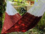 V Weave hammock – Shade of Red YJ