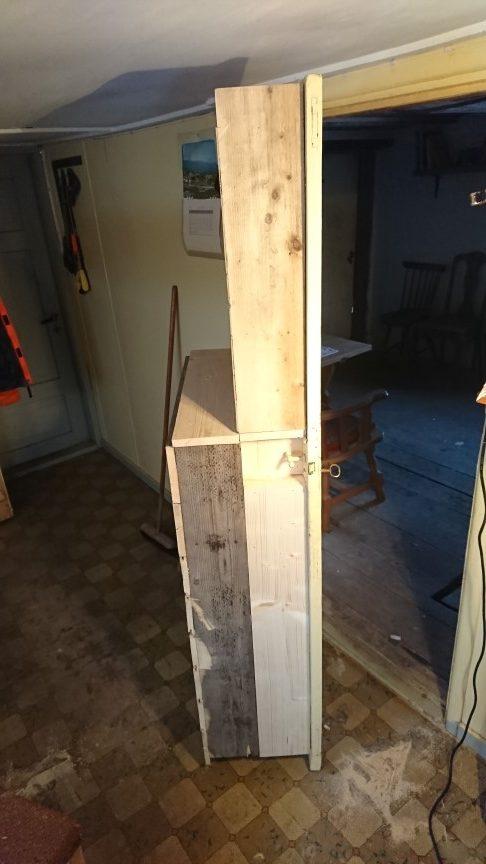 Døren på sida