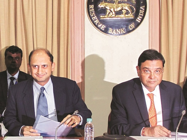 RBI board calls a truce between Indian govt, central bank