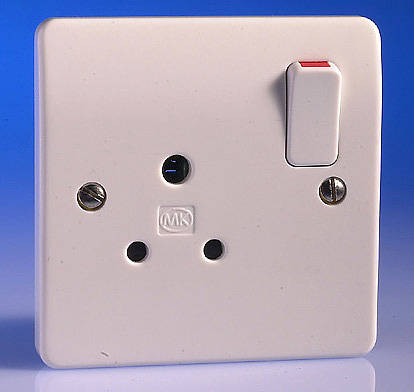 5 Amp Round Pin Switched Socket White
