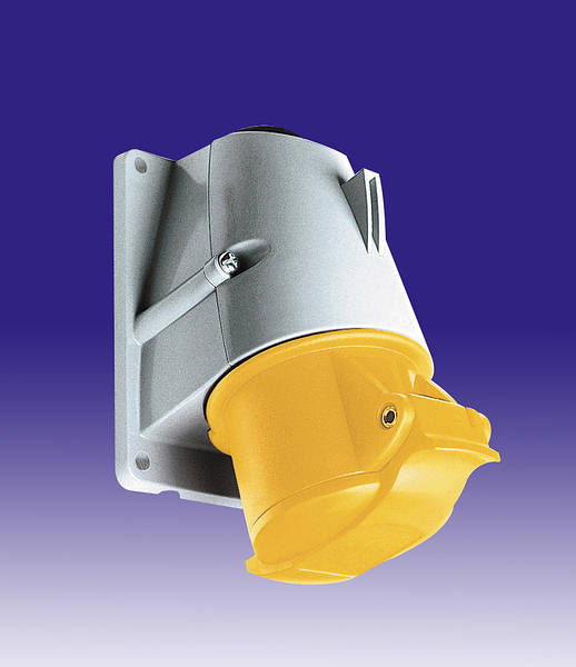 110v 16 Amp 3 Pin Mk Commando Socket Yellow Ip44