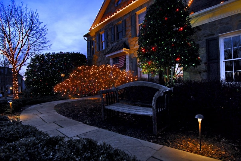 Holiday Lighting 31