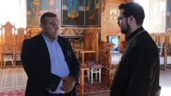 Primarul din Mihai Bravu, Tănase Răducan și preotul George Mihon. FOTO Adrian Boioglu