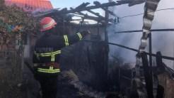 """Incendiu într-o gospodărie din Niculițel. Foto ISU """"Delta"""" Tulcea"""