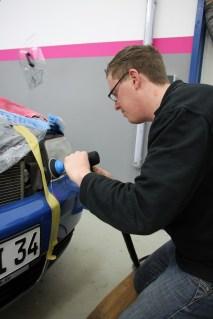 Polieren trübe Scheinwerfer - Fahrzeugpflege Massler