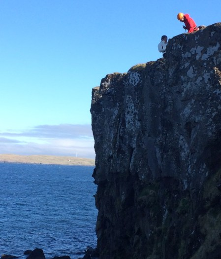 Rappelling in the Faroe Islands ©tmf dialogue marketing