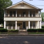 201 Cravens St Apt 4 $500/$500 Call our Clarksville Office 479-705-3302