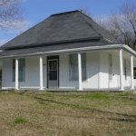 !!Coming Soon!! 1004 N college Ave $650Month/$650Dep. – Call Clarksville Office 479-705-3302