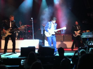 Chris Isaak Concert pic 2