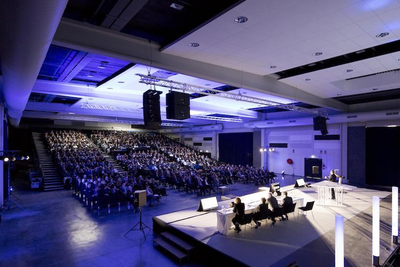 AVIGNON-Centre-des-congrès-c-Eric-Larrue