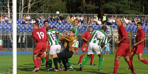 Amica Wronki v TNS in Poland in the UEFA Cup.