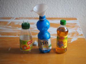 Die Gärflasche wird mit der Nährlösung befüllt