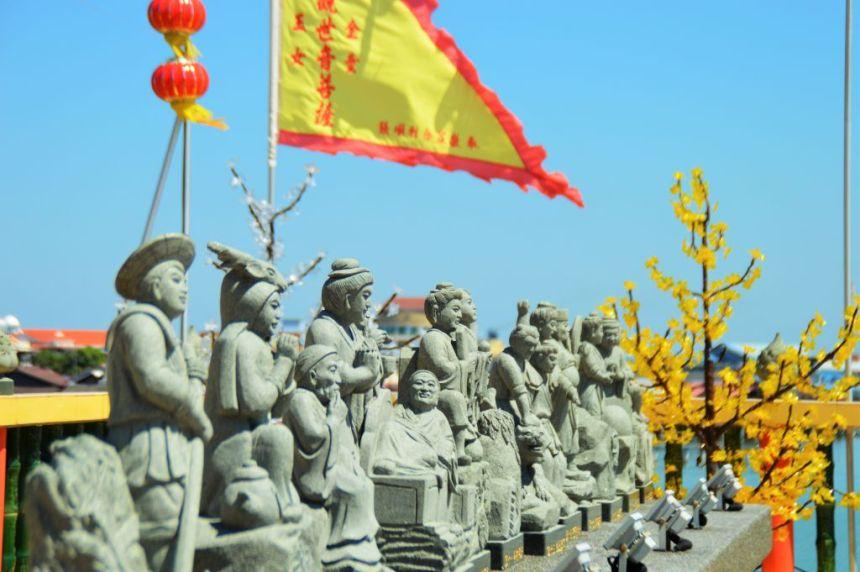 Steinfiguren am Tempel