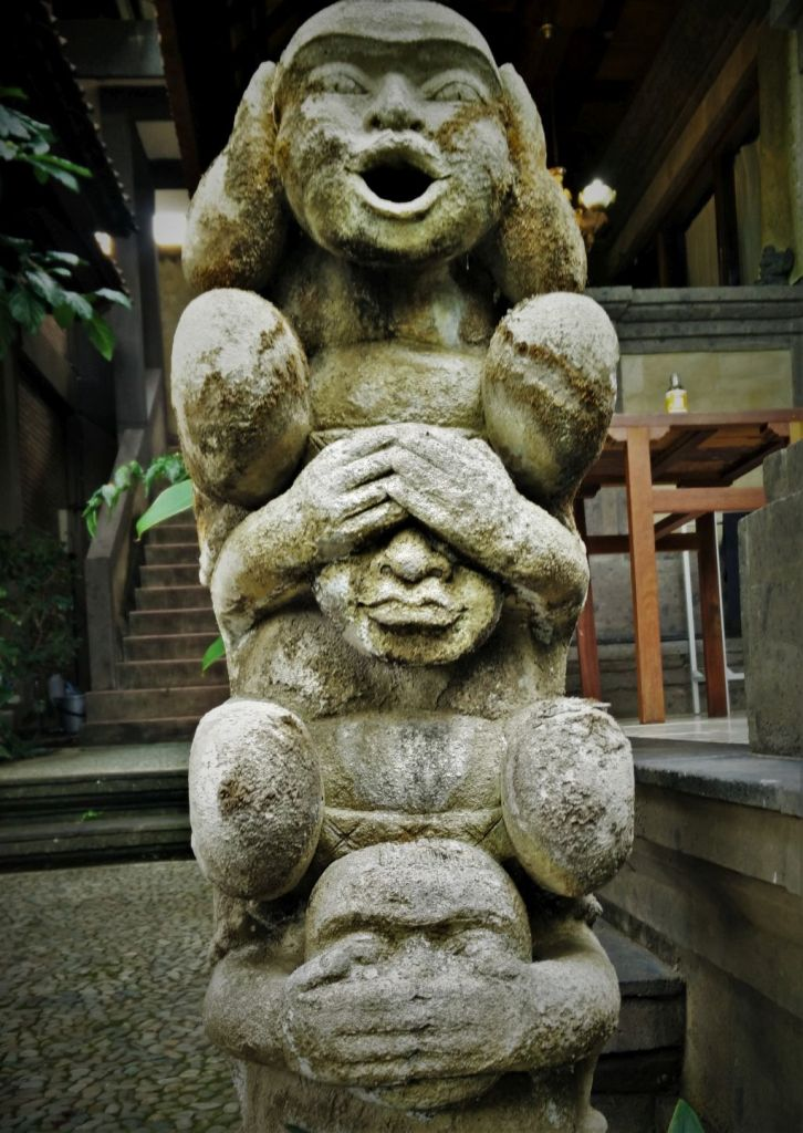 Drei-Affen-Motiv