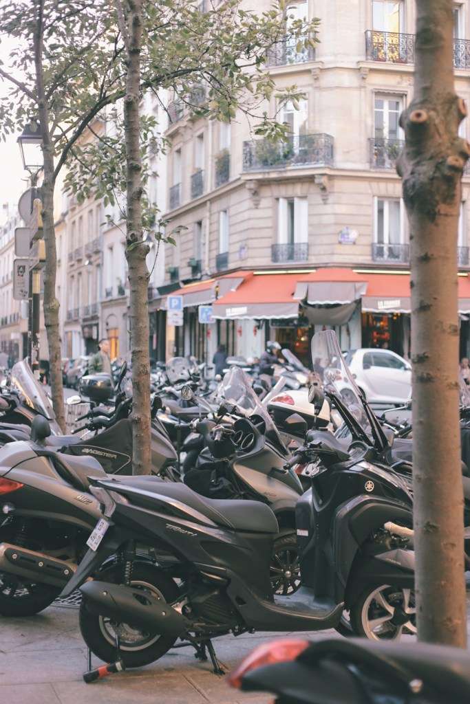 Vespas in Paris shot by TobruckAve