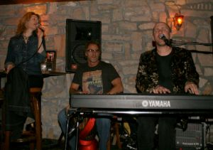 Toby jams with Rich Wyman and Lisa Needham at Easy Street in Park City
