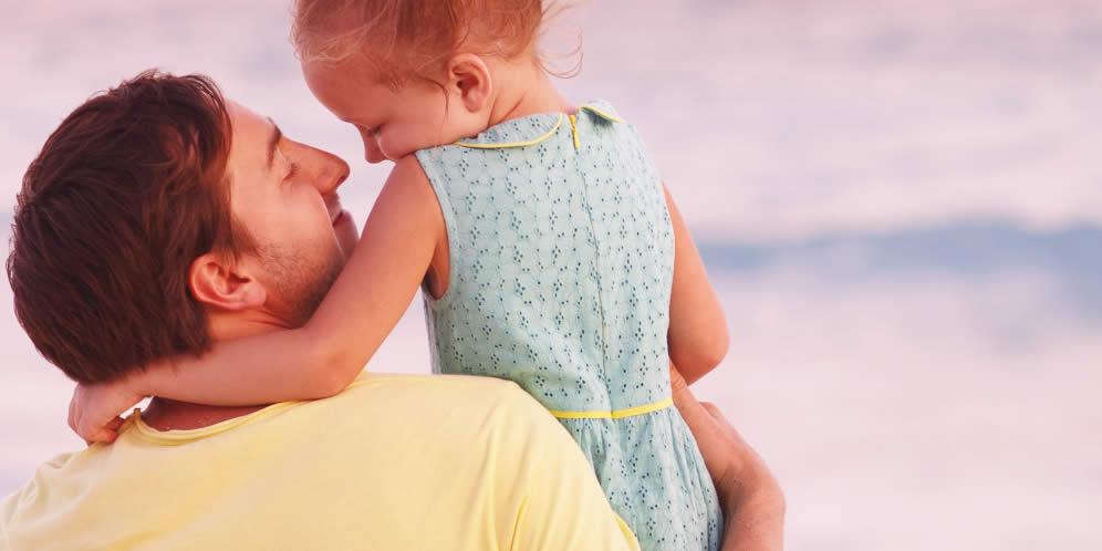 hombre que es padre soltero