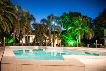 piscina-noche