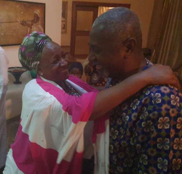 The former National Security Adviser, Sambo Dasuki, has finally reunited with family tonight after four years in the custody of the Department of State Service (DSS).1