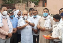 Minister Moolchand Sharma inaugurated the work of interlocking tiles being done at a cost of 60 lakhs at Ballabhgarh.