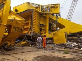 18 laborers hit by falling cranes in Visakhapatnam, out of which ten laborers died