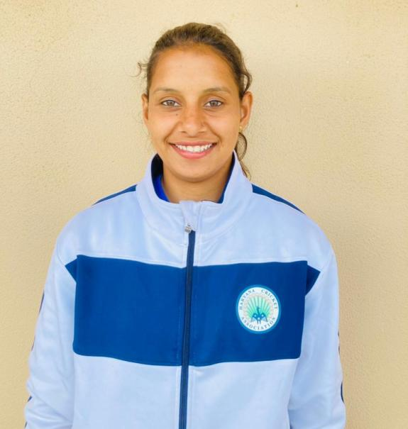 District player Shweta Sharma was selected in the women's cricket team