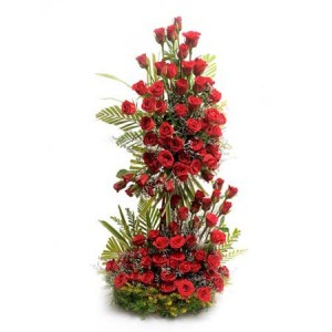 100 Red Roses Arrangement With 2ft Height