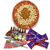 1 Kg Assorted Dry Fruits and 5 Dairy Milk with Assorted Crackers worth Rs 600