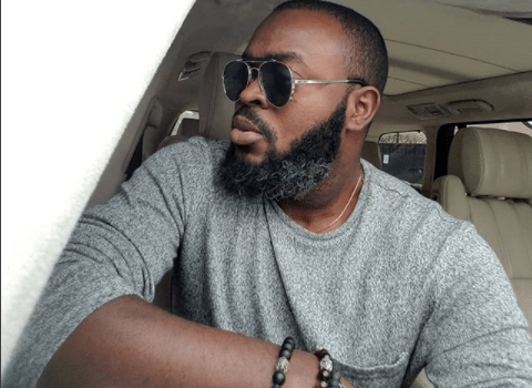 Nollywood actor Yomi Gold flaunts heavy bulge between thighs (watch)