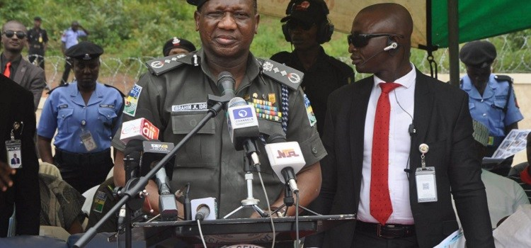 Trending Video: Police IG, Idris fumbles, struggles to read speech