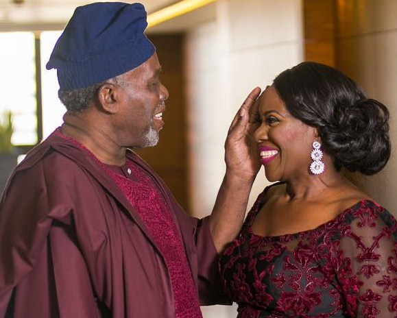 Veteran actors, Joke Silva and Olu Jacobs celebrate 33rd wedding anniversary with family photo